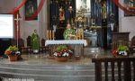 Plungės Šv. Jono Krikštytojo bažnyčia pasipuošė nuostabiomis gėlėmis
